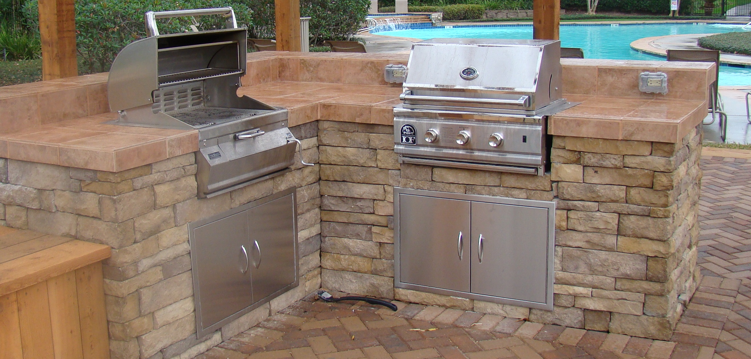 The bbq door 30 stainless steel bbq doors for your for Perfect outdoor kitchen